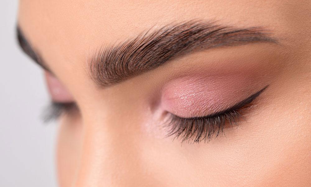 Eyebrow Waxing Berkhamsted Should You Thread or Wax Your Eyebrows Blog Image